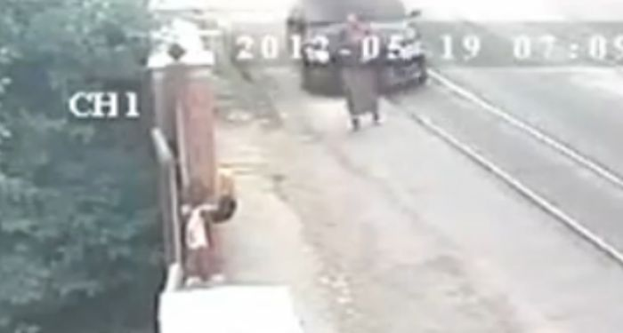 Пьяный следователь сбил женщину насмерть
