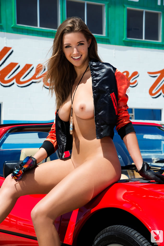 Babes topless washn cars — pic 6