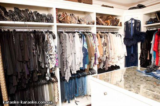 khloe_kardashian_closet-04_4.jpg