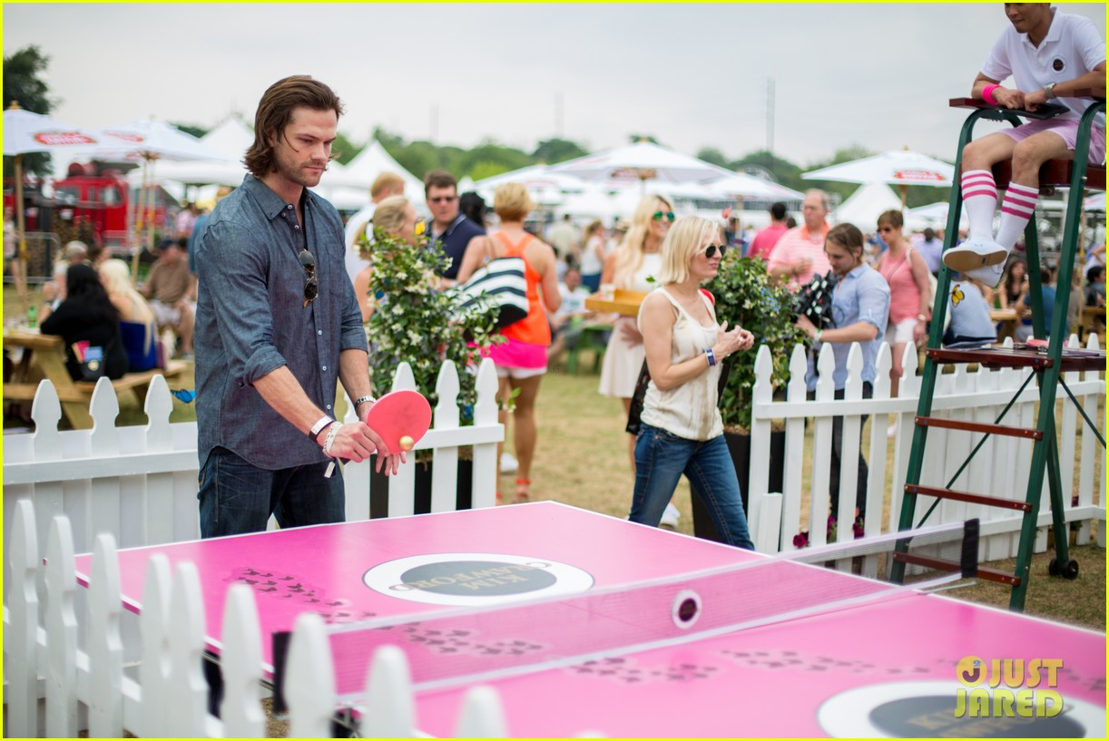 jared-padalecki-wife-genevieve-picture-perfect-couple-austin-food-festival-04.jpg