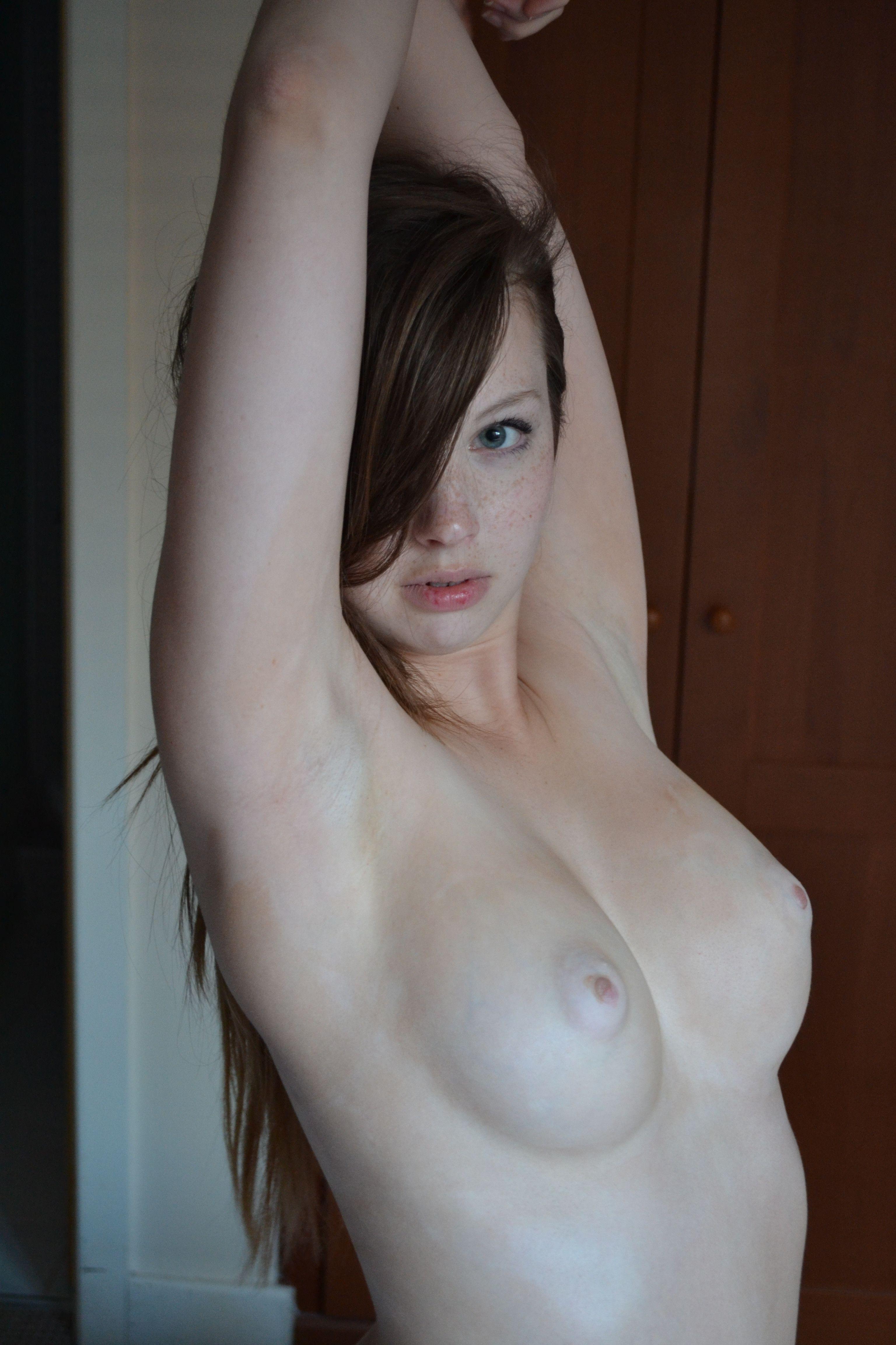 Гламурной шикарной голая молодая девушка бледная частные девушки большие члены трахают