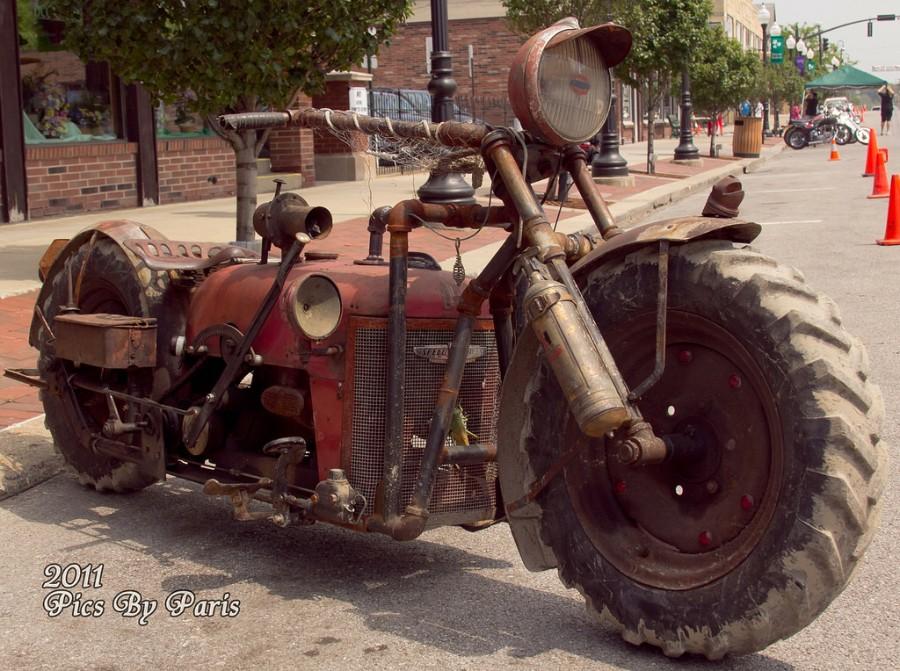 Гибрид мотоцикла и трактора