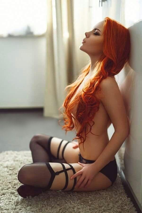 Рыжая красотка