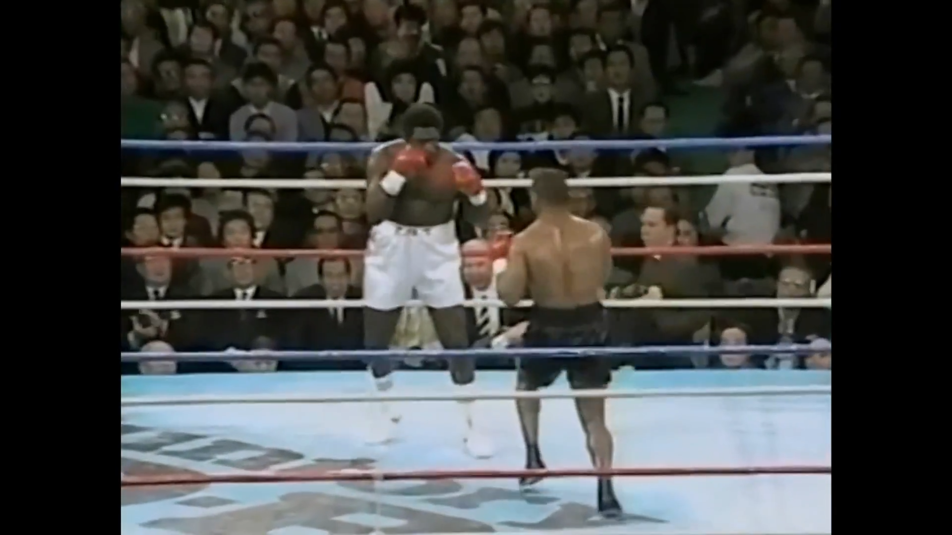Mike Tyson vs Tony Tubbs_21.03.1988_HDTV 1080p_EN.mp4_snapshot_28.14_[2016.06.07_10.40.30].png