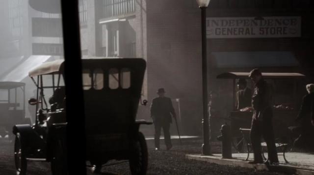 S02E01_Первое убийство Капоне-0-00-20-791.jpg