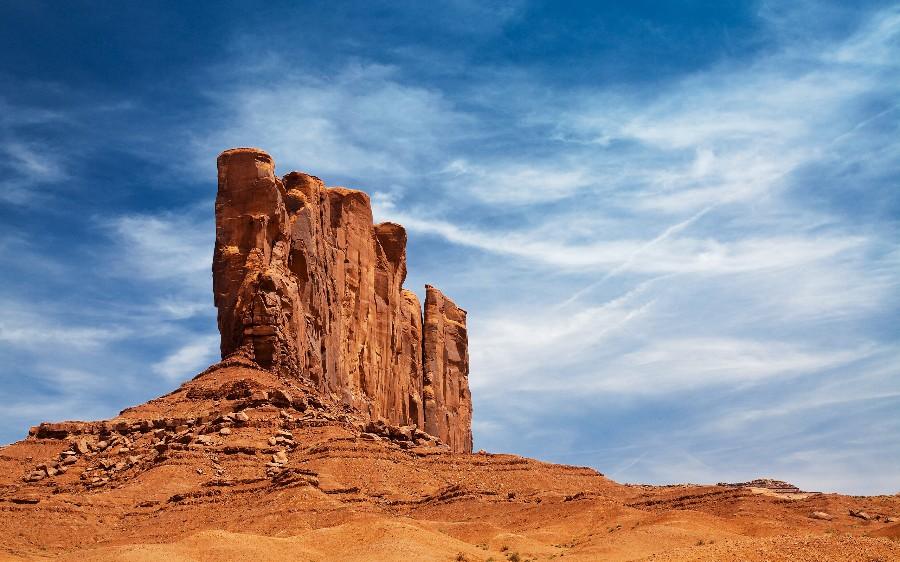 Скала в пустыне
