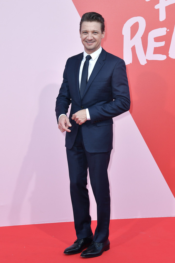 Jeremy+Renner+Fashion+Relief+70th+Annual+Cannes+WtqZgY_41Qrx.jpg