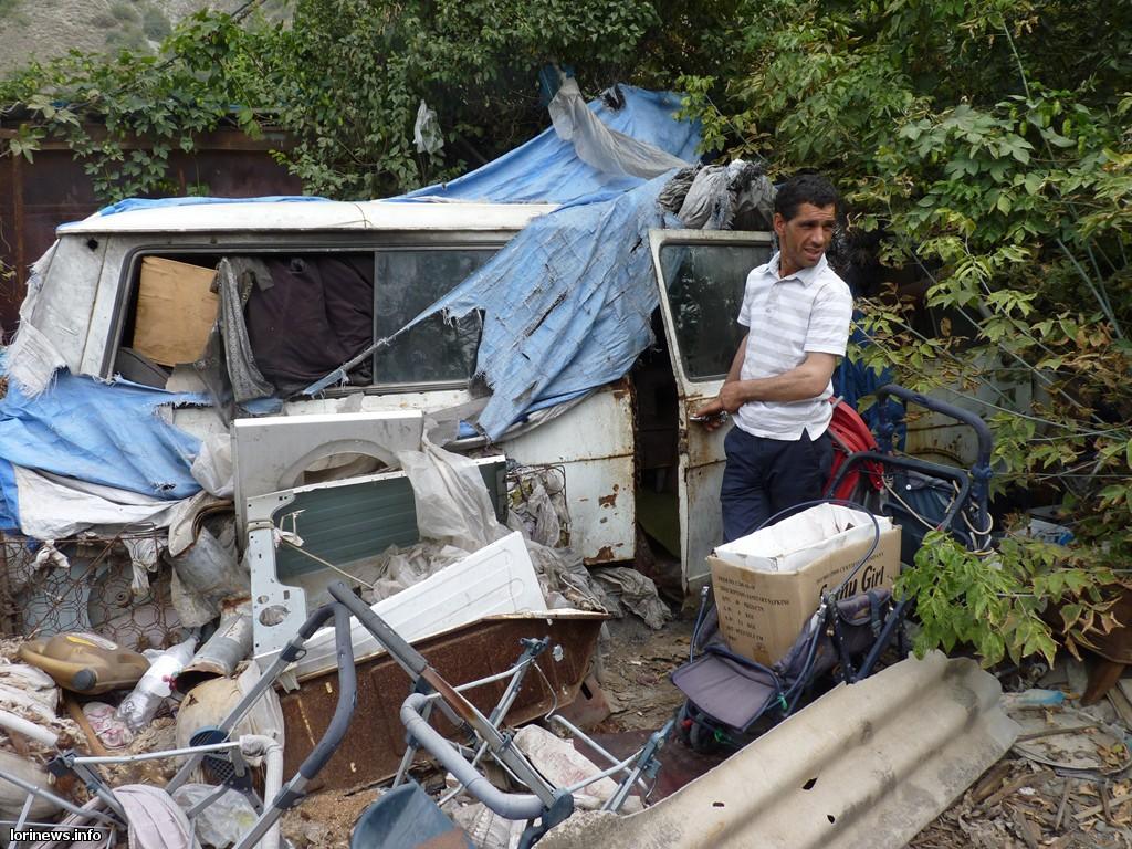 Քույր ու եղբայր ամառ-ձմեռ ապրում են մետաղե ջարդոն դարձած մեքենաների մեջ (Ֆոտո, Վիդեո)