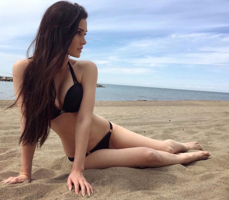 Горячий песок