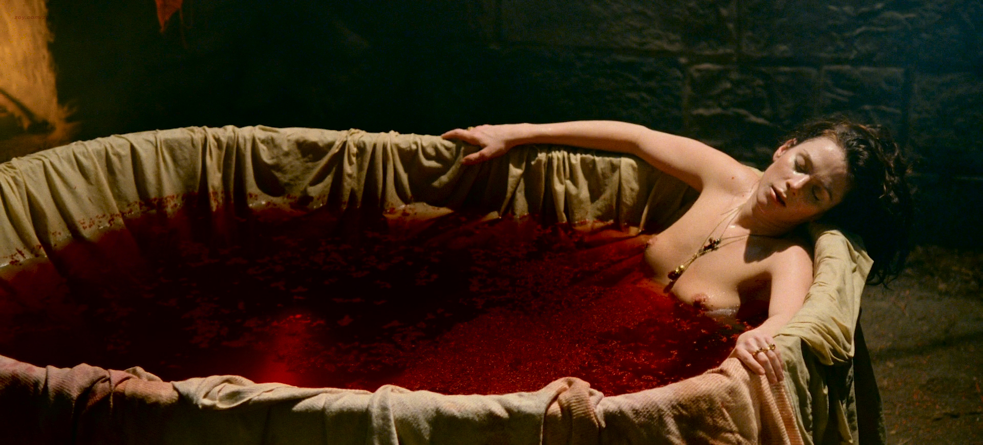 Anna-Friel-nude-topless-others-nude-too-Bahory-Countess-of-Blood-2008-HD-1080p-BluRay9.jpg