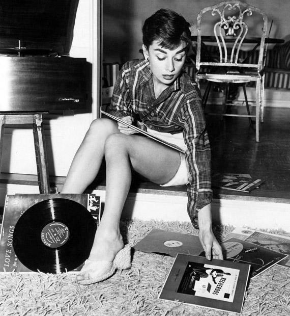 Audrey Hepburn_04.jpg