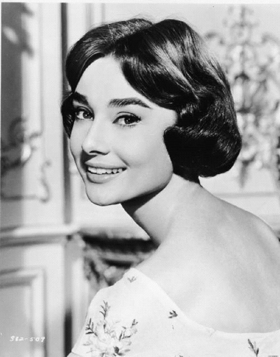 Audrey Hepburn 9.jpg