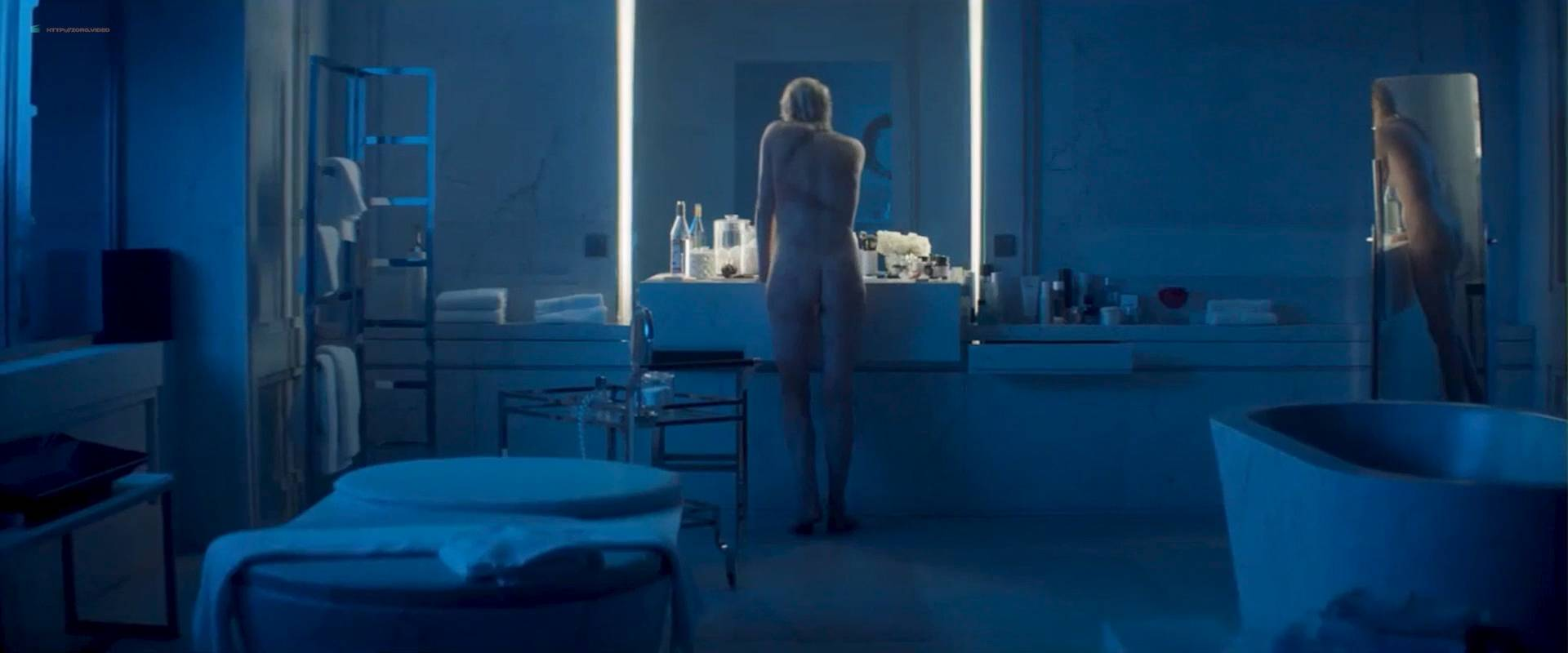 Charlize-Theron-nude-butt-lesbian-sex-with-Sofia-Boutella-Atomic-Blonde-2017-HD-1080p-006.jpg