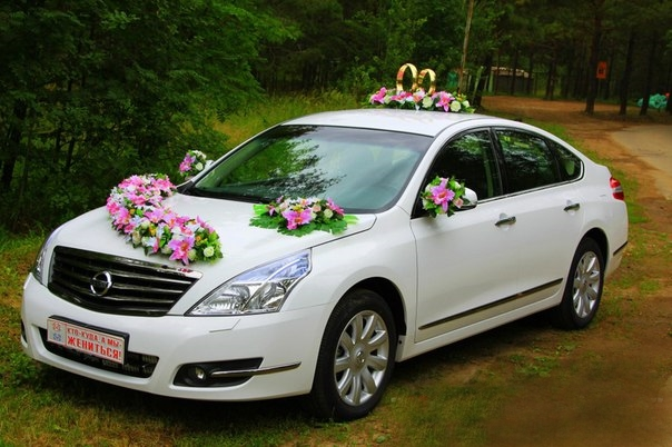 Как выгодно арендовать автомобиль на свадьбу с профессиональным водителем