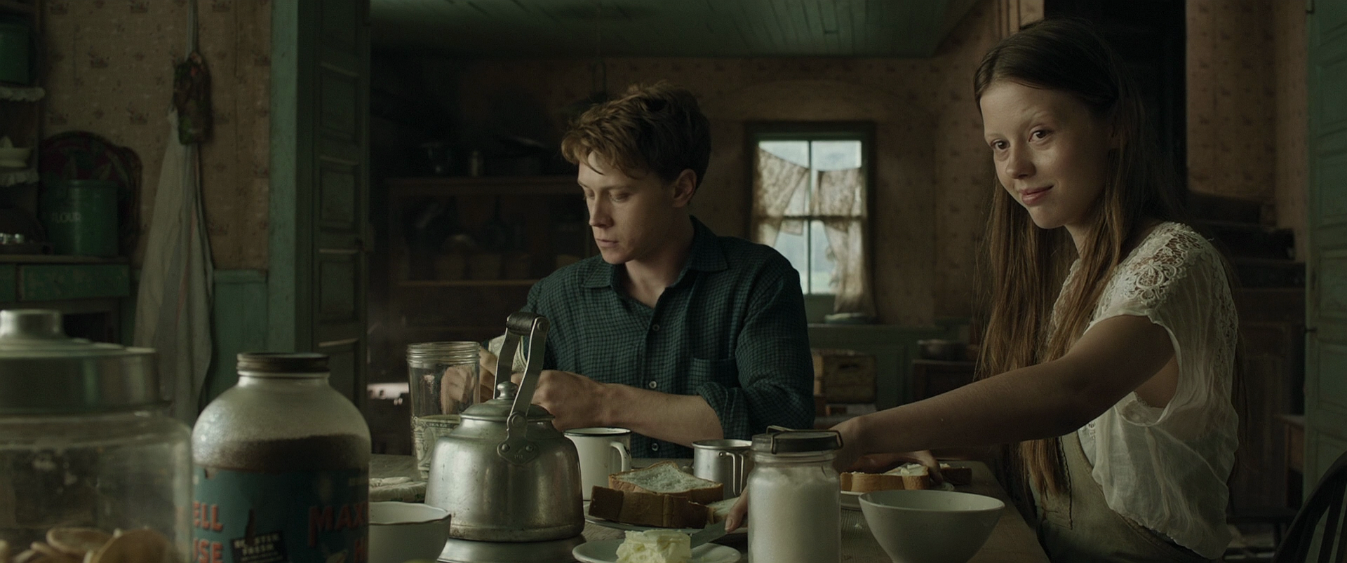 Обитель теней / Marrowbone (2017) BDRip 1080 | iTunes