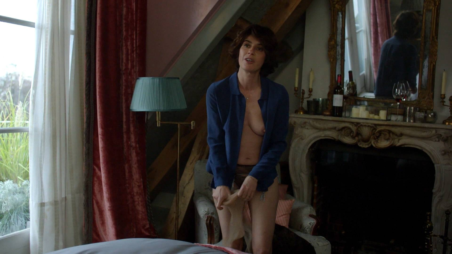 Irene-Jacob-nude-topless-and-butt-The-Affair-2017-s3e10-HD-1080p.-7.jpg