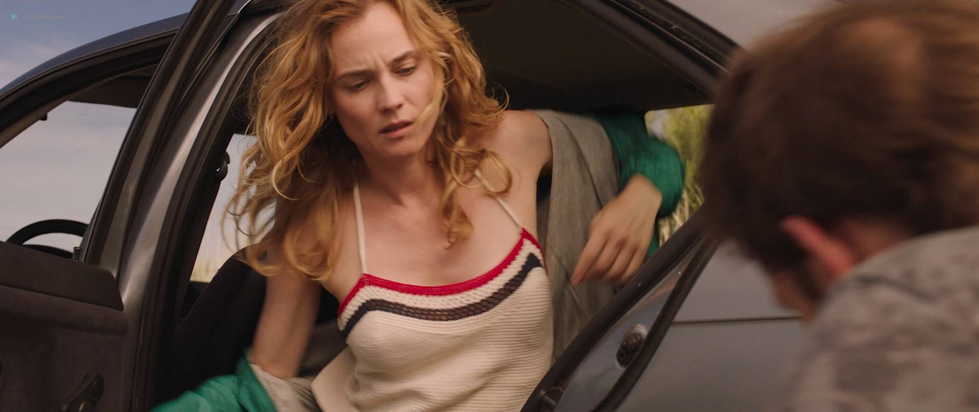 Diane-Kruger-nude-topless-and-sex-in-the-car-Tout-Nous-Separe-FR-2017-HD-1080p-BluRay-010.jpg