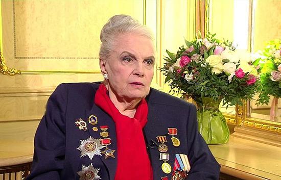 Элине Быстрицкой - 90!