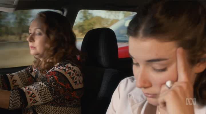 Щурящиеся [01 сезон: 01-06 серии из 06] | HDTVRip | ColdFilm