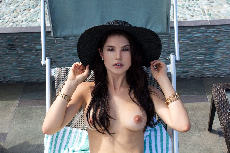 TheFappeningBlog.com-Amanda-Cerny-Nude-2.jpg