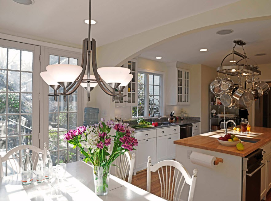 Люстры-подвесы для кухни
