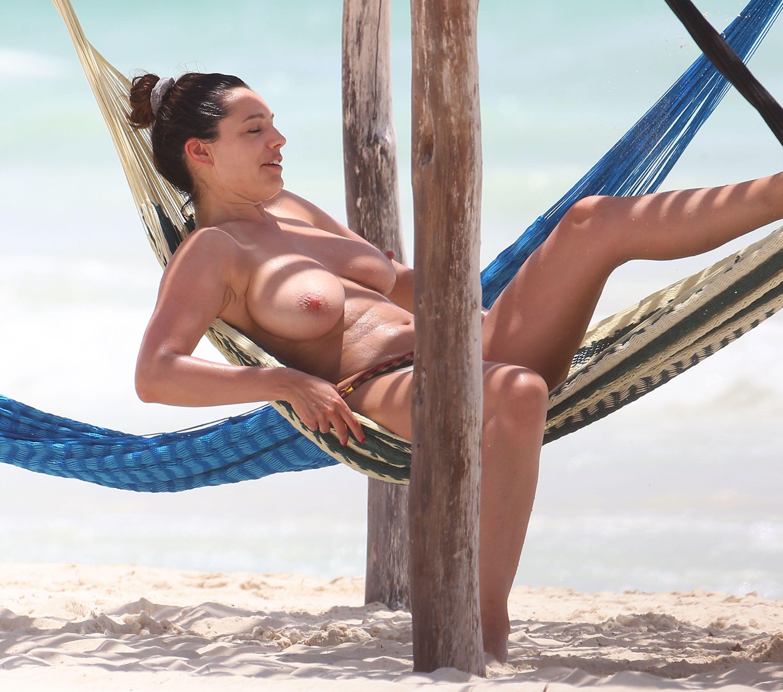 Kelly handle nud — img 15