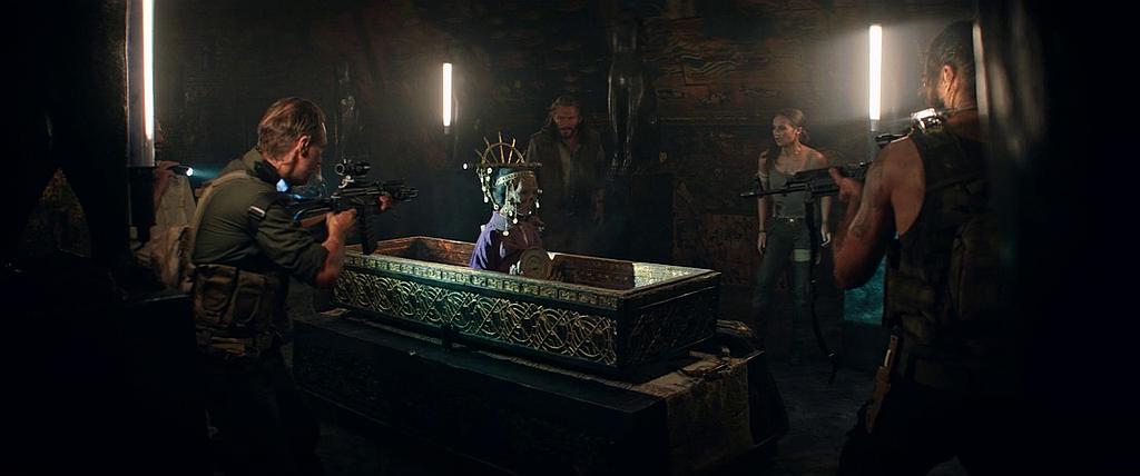 Изображение для Tomb Raider: Лара Крофт / Tomb Raider (2018) BDRip-AVC | Лицензия (кликните для просмотра полного изображения)