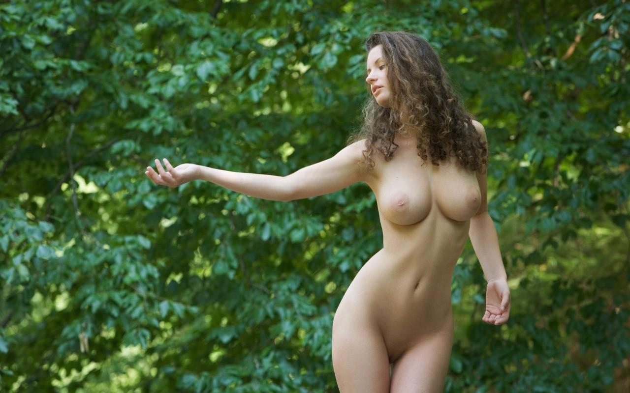 Видео натуральное тело