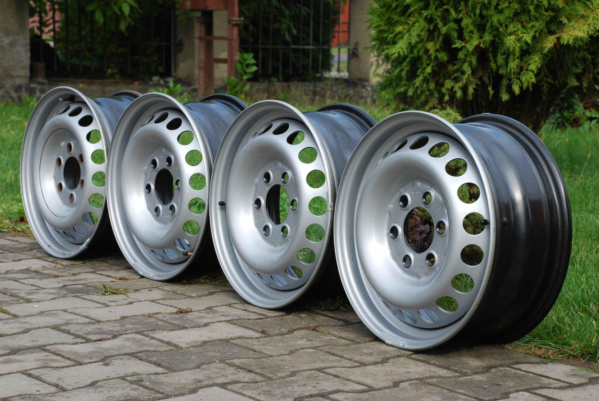 Стальные и литые диски: как правильно выбрать автомобильную принадлежность