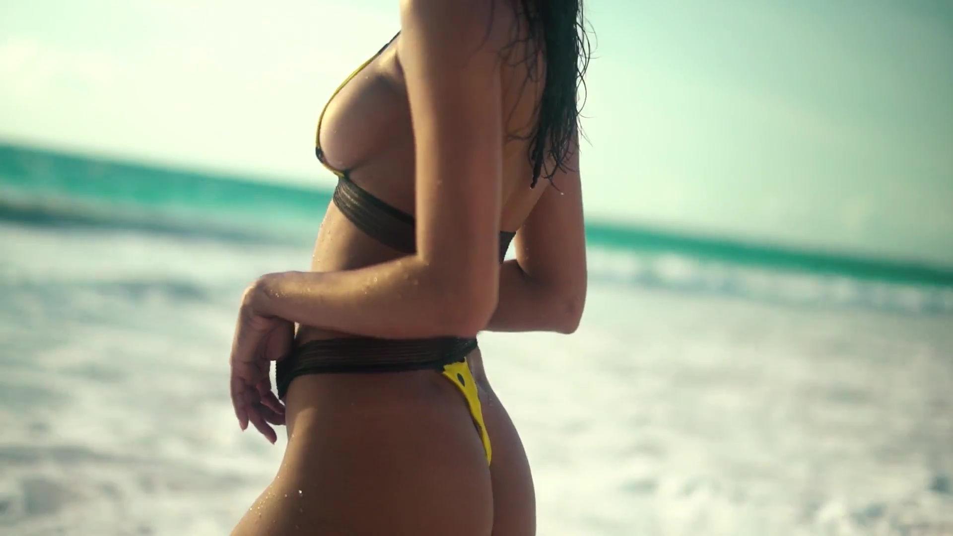 0919045630832_27_Lais-Ribeiro-Sexy-TheFappeningBlog.com-28-1.jpg