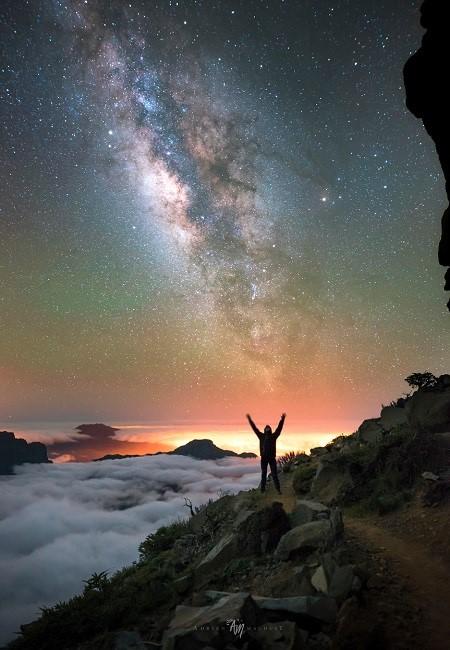 Галактики / Galaxies (2018) WEBRip 2160p