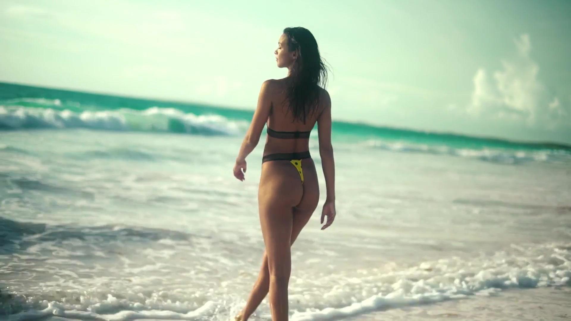 0919045630832_31_Lais-Ribeiro-Sexy-TheFappeningBlog.com-32-1.jpg