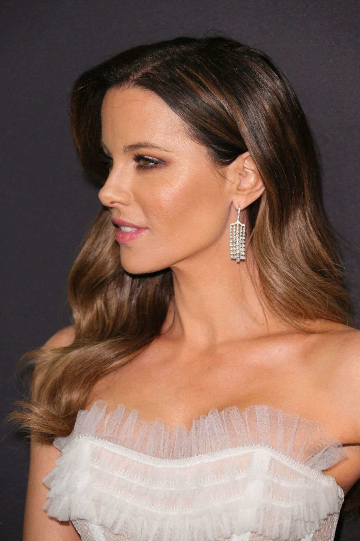 kate-beckinsale-at-instyle-and-warner-bros-golden-globe-awards-afterparty-in-beverly-hills-01-06-2019-1.jpg