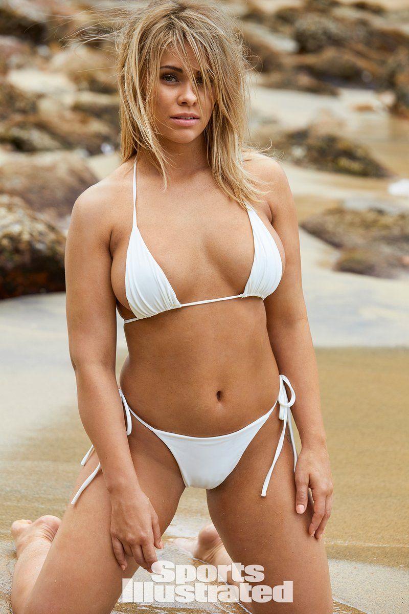0409070529440_22_Paige-VanZant-Nude-Sexy-TheFappeningBlog.com-23.jpg
