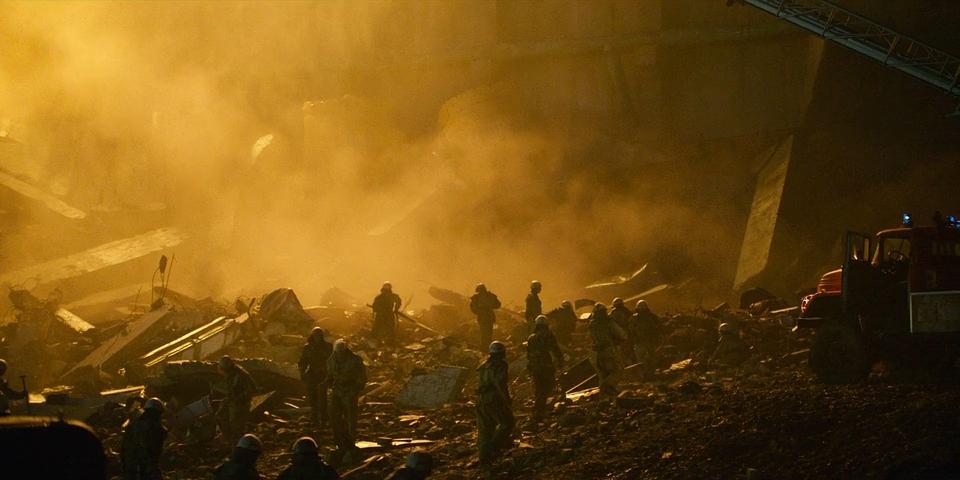 01_Chernobyl.(2019).WEB-DLRip-AVC.[-=DoMiNo=-].mkv_20190510_200649.981.png