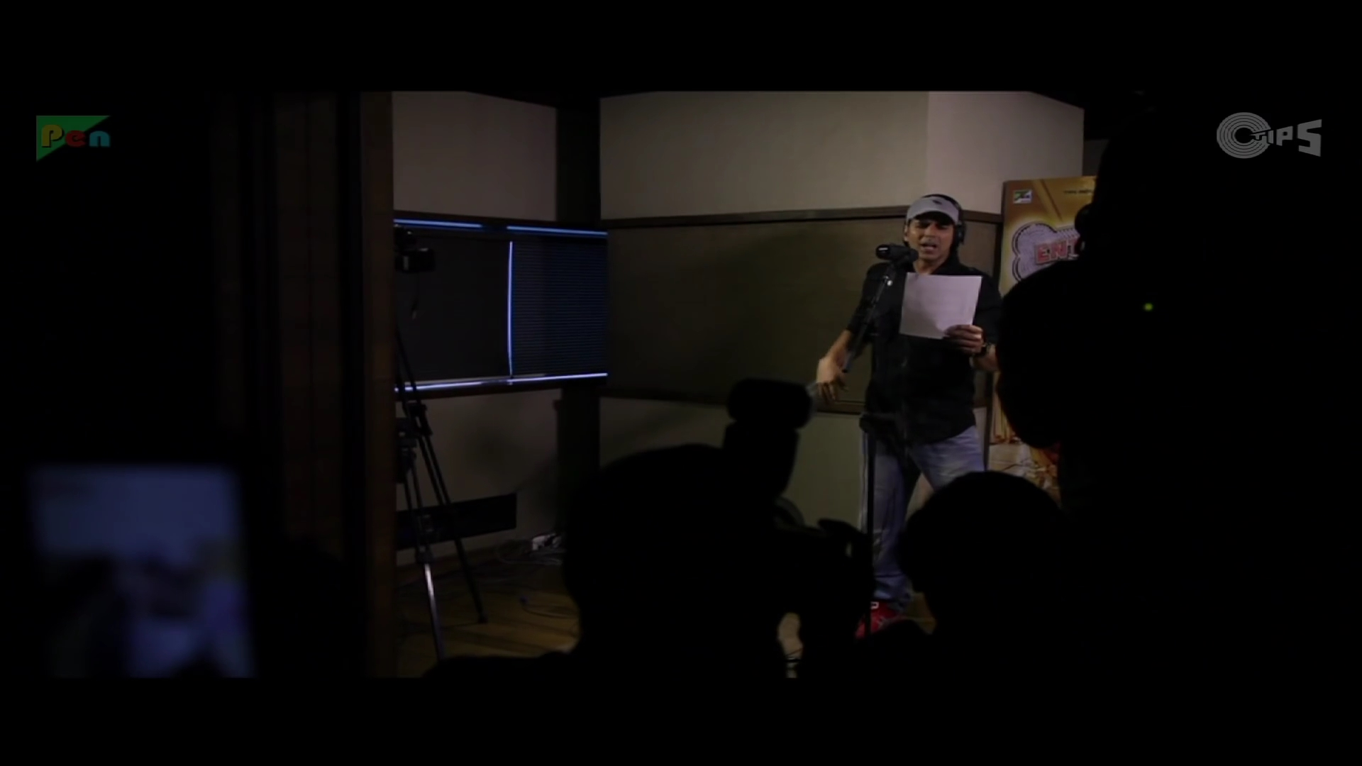 z_2014 - Akshay Kumar Sings  Maange Maange - Entertainment_1080p.mp46760.jpg