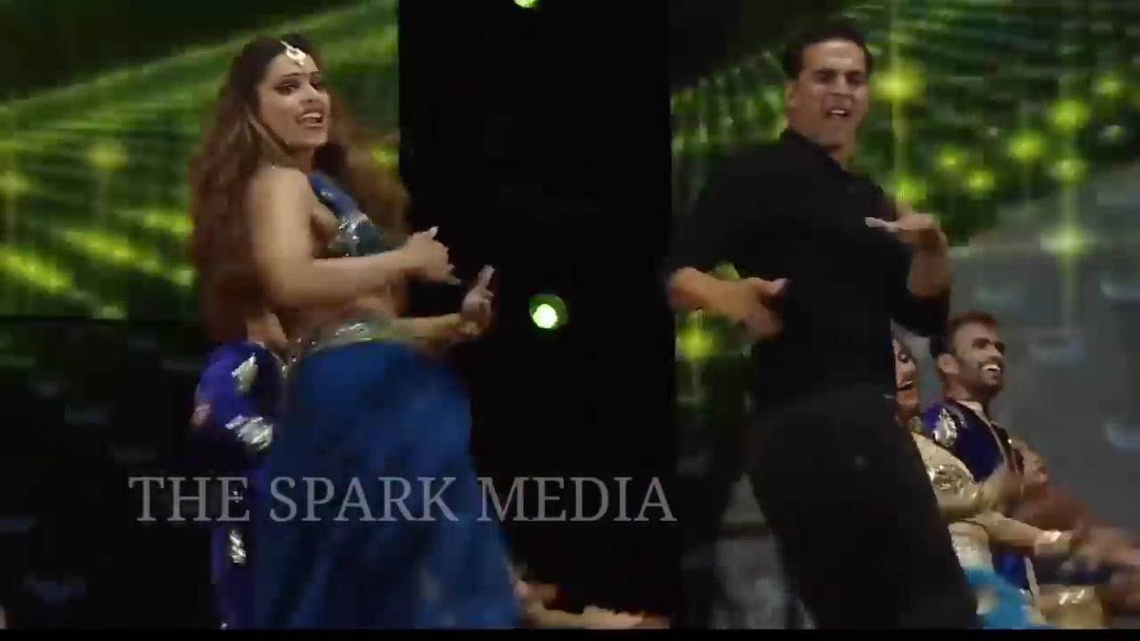 z_2019 - Salman Khan and Akshay Kumar Performance.mp48525.jpg