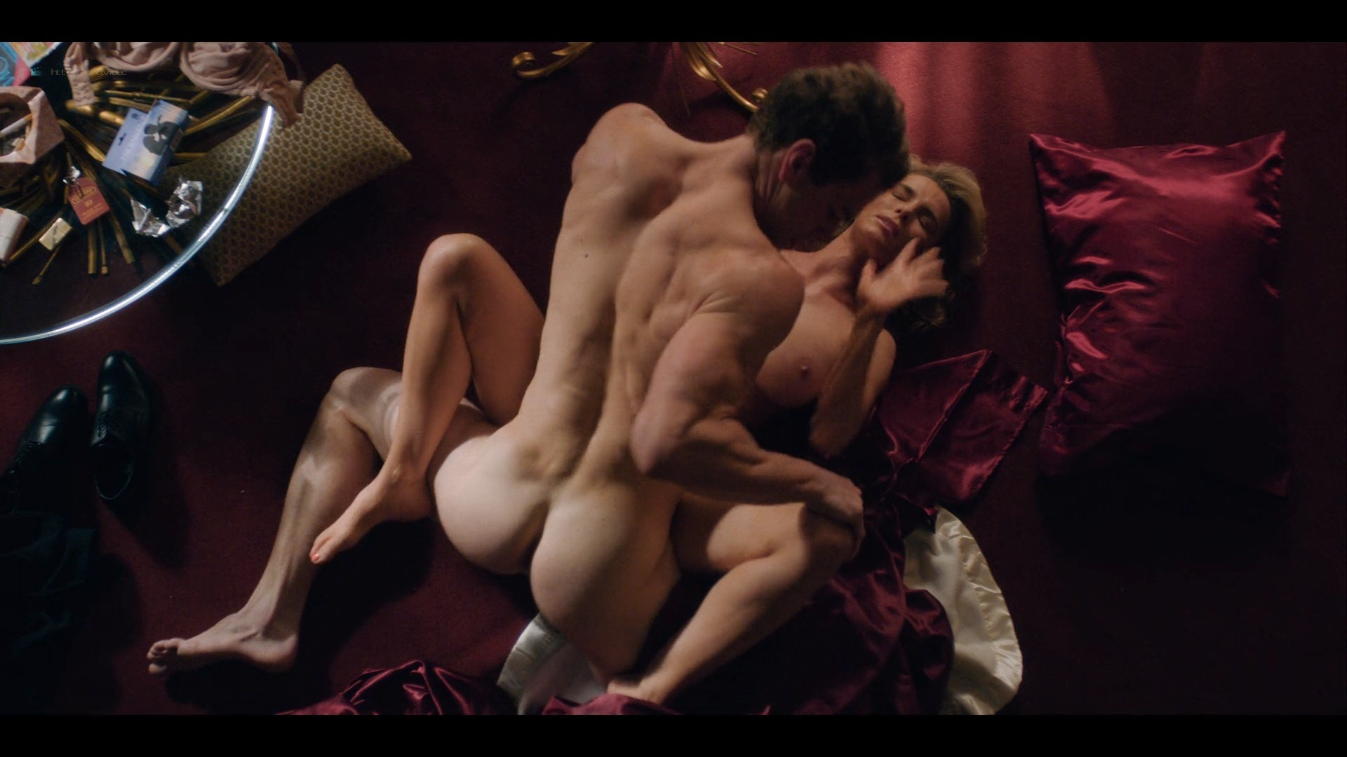 0710213425772_04_Betty-Gilpin-nude-sex-Kate-Nash-sex-others-hot-Glow-2019-S3-HD-1080p-0015.jpg