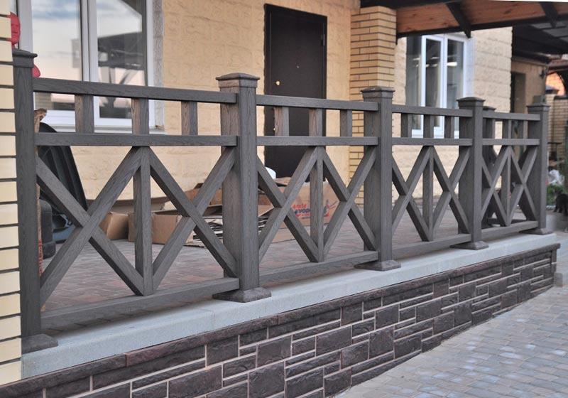 Декоративный забор из досок ДПК