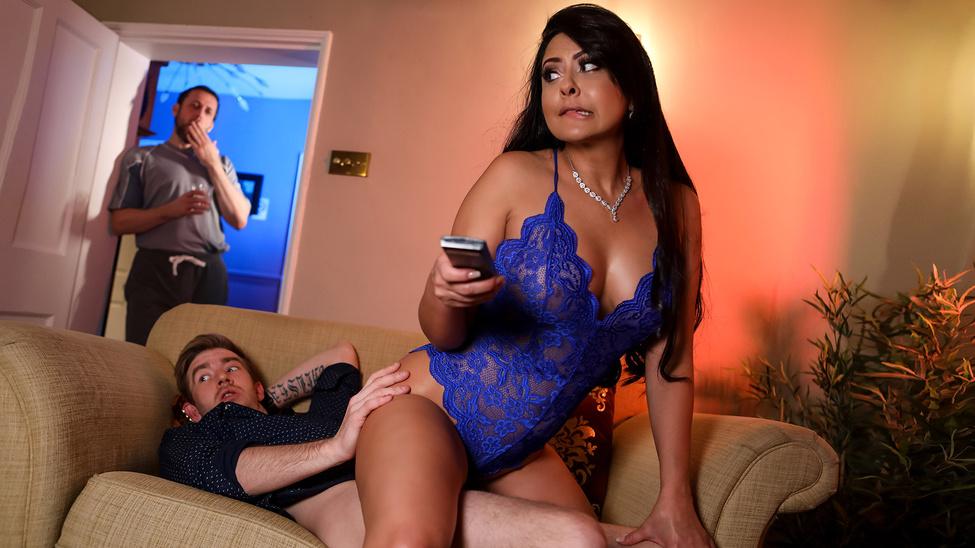 [MilfsLikeItBig.com / Brazzers.com] Mariska - Nothing Like A Good Book (02.01.2020) [MILF, Big Tits, All Sex]
