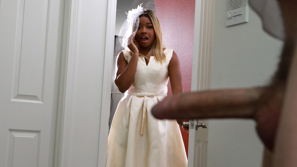 Изображение для Nina Rivera - Bubble Butt Bride (2020) SiteRip (кликните для просмотра полного изображения)