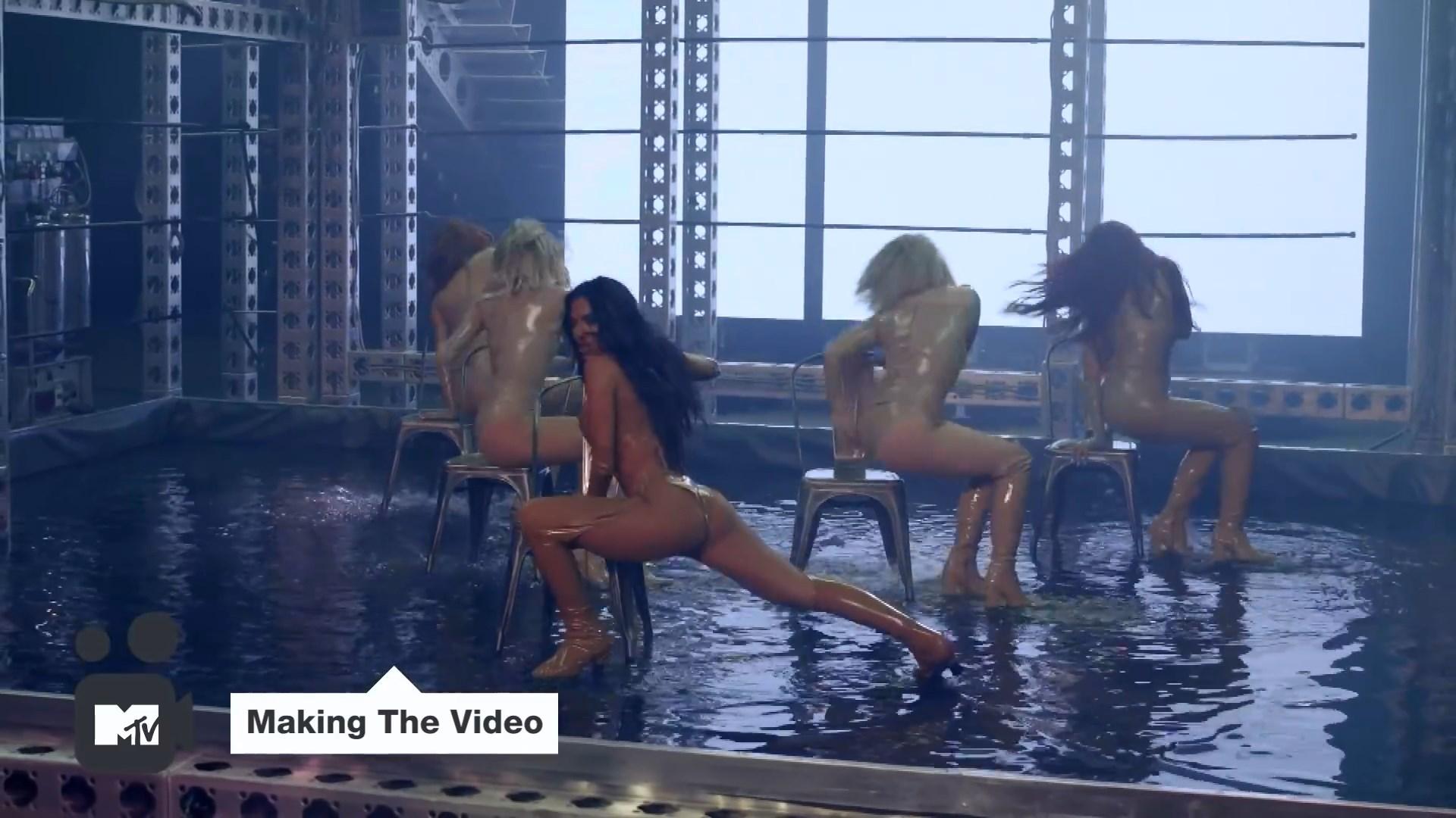 Pussycat Dolls 'React'  Making The Video ¦ MTV Music.mp4_snapshot_02.50_[2020.02.10_04.49.04].jpg