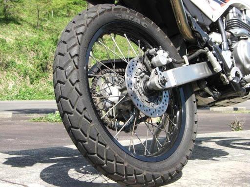 Универсальная моторезина Michelin Anakee Wild и Michelin Sirac