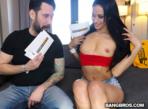 Gia Vendetti - How to Fuck on Camera (2020) SiteRip |