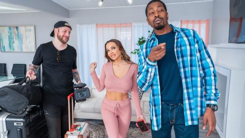 Abigail Mac - I Fucked My BnB Host (2020) SiteRip |