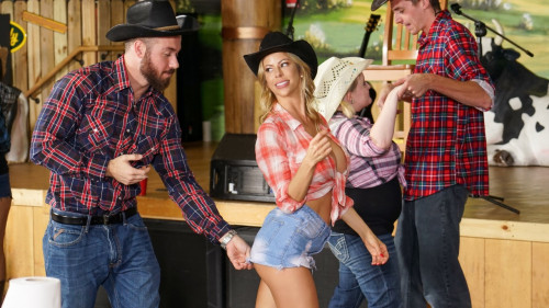 Alexis Fawx - Honey Tonk Hottie (2020) SiteRip |