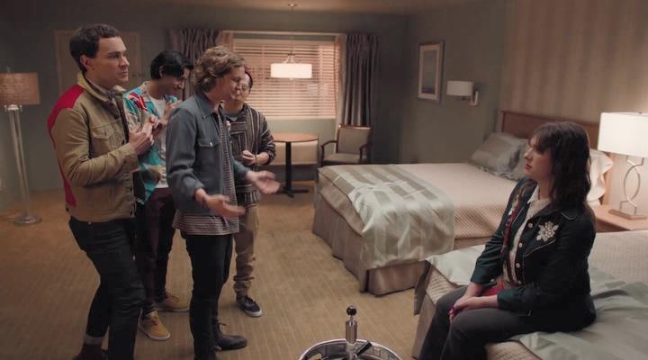 400p Room.104.S04E01_ideafilm_Superslots25.avi_snapshot_03.03.600.jpg