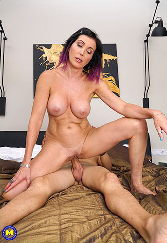 Sissy Neri - Strapping Toy Boy Gets Sex Education From Mature Sissy Neri (2019) WEB-DLRip |