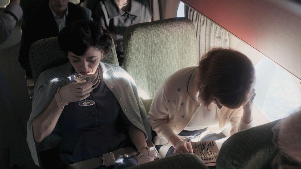 Сцена в самолете