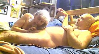 Бабушка рядышком с дедушкой, или домашка пенсионеров / Fuck, Fuck Her, Spank Her And Cum In Her Face (2017)